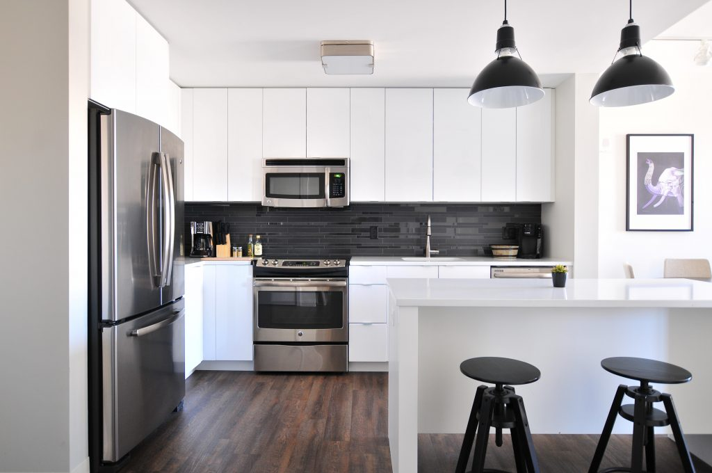 An image showing a clean and modern kitchen