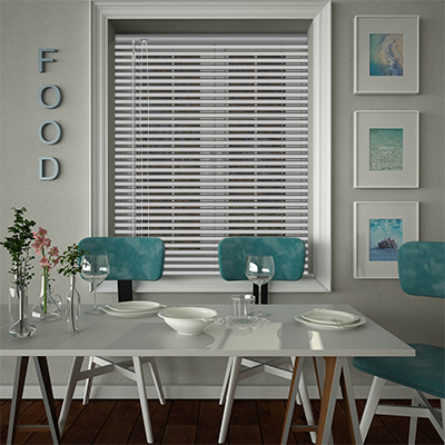 Venetian Blinds Hammered Silver Opened